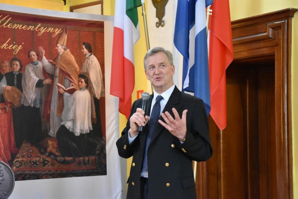 Prezes Fundacji Lanckorońskich Piotr Piniński podczas uroczystości upamiętniających ślub Marii Klementyny Sobieckiej i Jakuba III Stuarta.